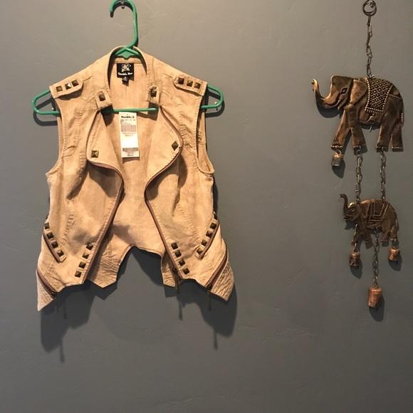 Buckle Jackets & Blazers - NWT!! daytrip tan vest | medium